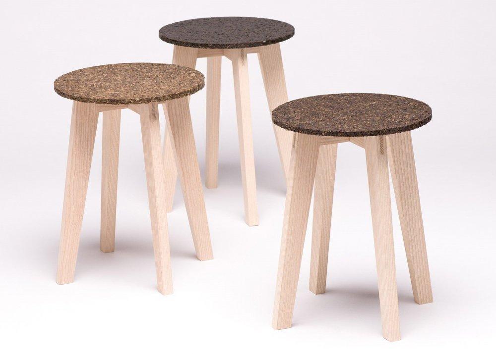 Табуреты Zostera, материал сидений изготовлен из водорослей. Дизайнер Каролин Пертш