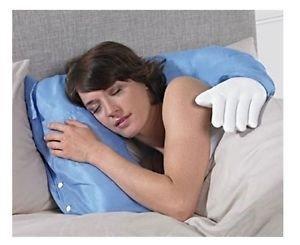Привлёк подушкой – продал мебель обнимающая рука