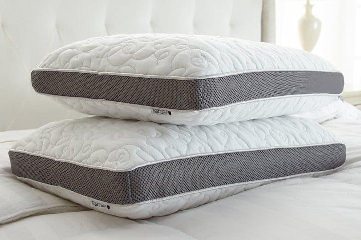 Привлёк подушкой – продал мебель две подушки