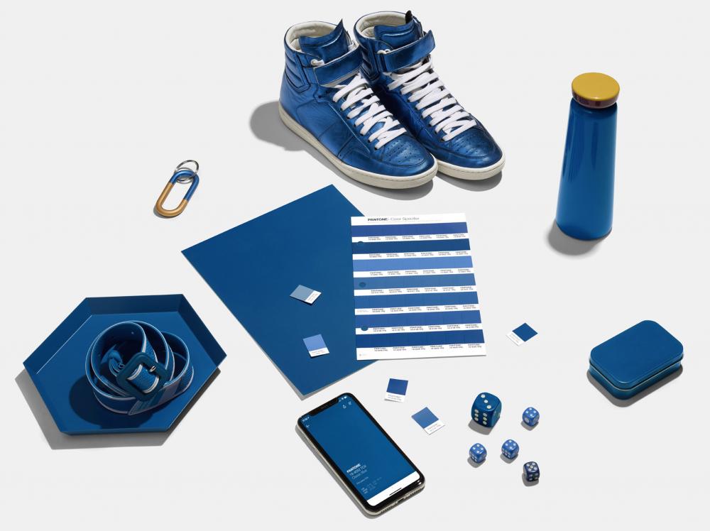 Вердикт Pantone: цвет настроения - синий